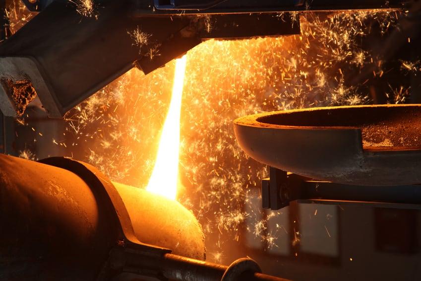 Metall gießen eines Industrie-Ofens