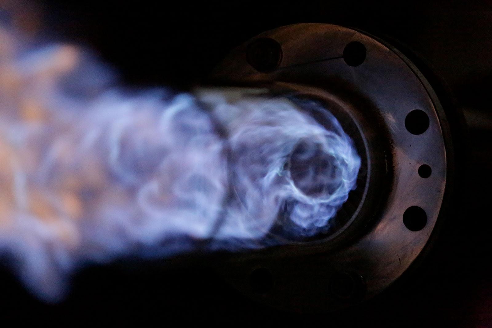 Industriebrenner mit blauer Flamme